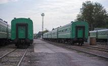Поезда в железнодорожном вокзале Бишкека. Архивное фото