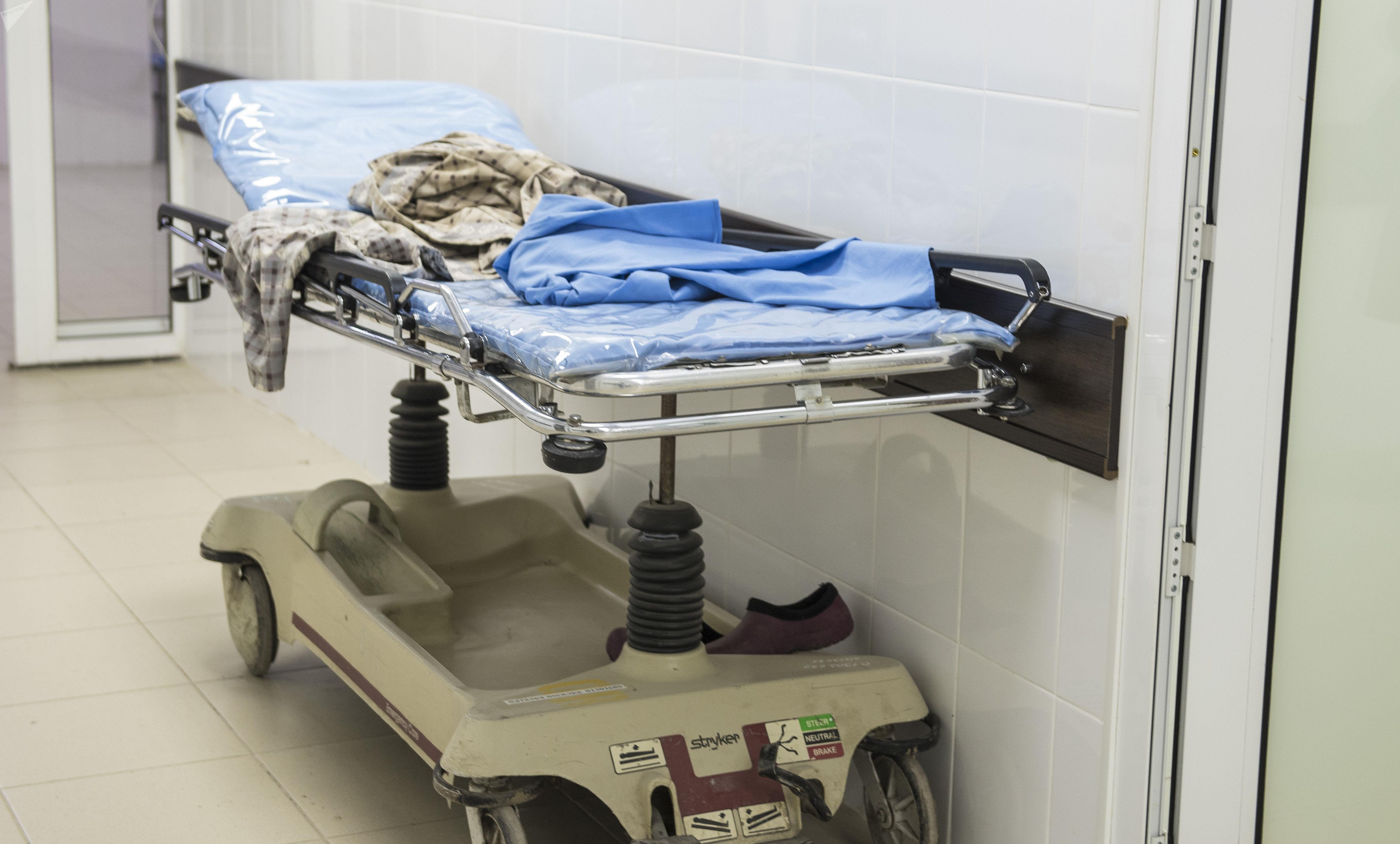 Каталка в Бишкекском научно-исследовательском центре травматологии и ортопедии