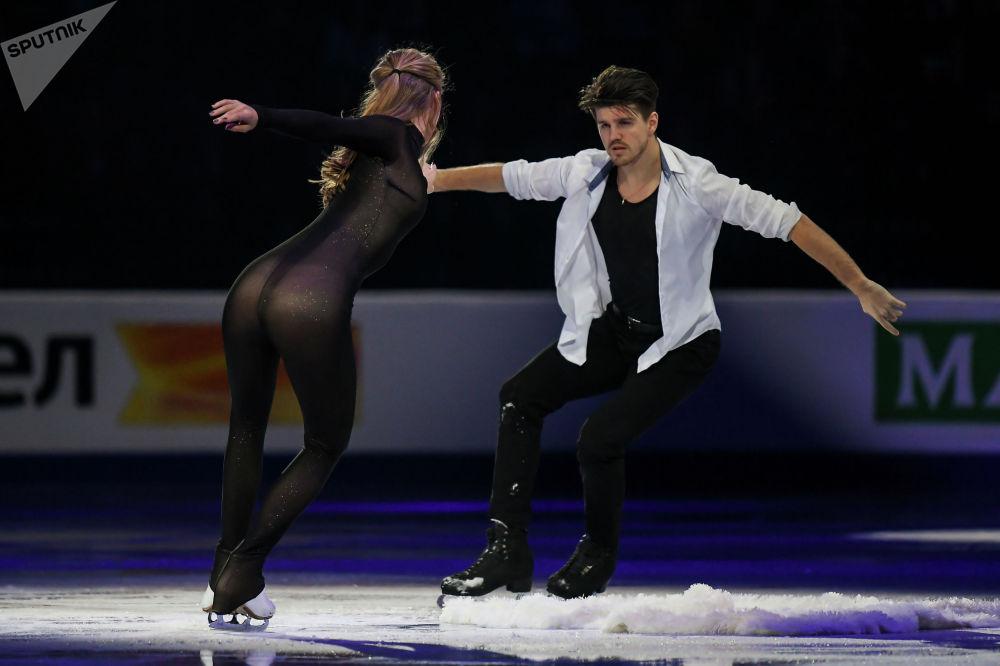 Минскиде өткөн көркөм муз тебүү боюнча Европа чемпионаты. Сүрөттө Александра Степанова менен Иван Букин.