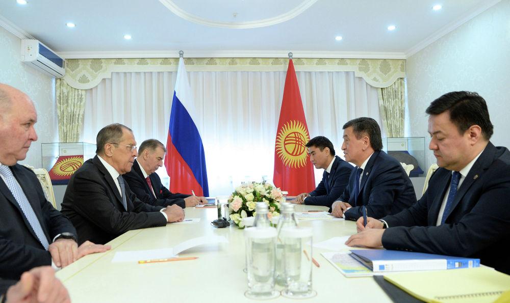 Президент Кыргызской Республики Сооронбай Жээнбеков встретился с министром иностранных дел Российской Федерации Сергеем Лавровым, прибывшим в Бишкек с официальным визитом. 4 февраля 2019 года