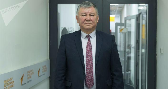 Улуттук онкология жана гематология борборунун директору Эрнис Тилеков