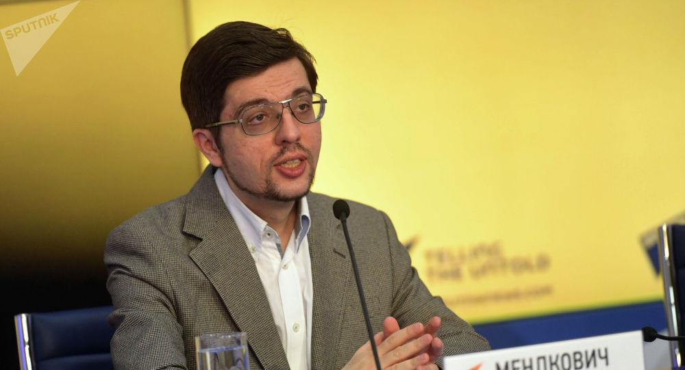 Политолог, председатель Евразийского аналитического клуба Никита Мендкович. Архивное фото