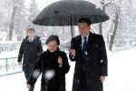 Президент КР Сооронбай Жээнбеков и директор профессионального лицея №98 Нуриса Иманкулова