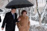 Президент Сооронбай Жээнбеков кол чатыр менен
