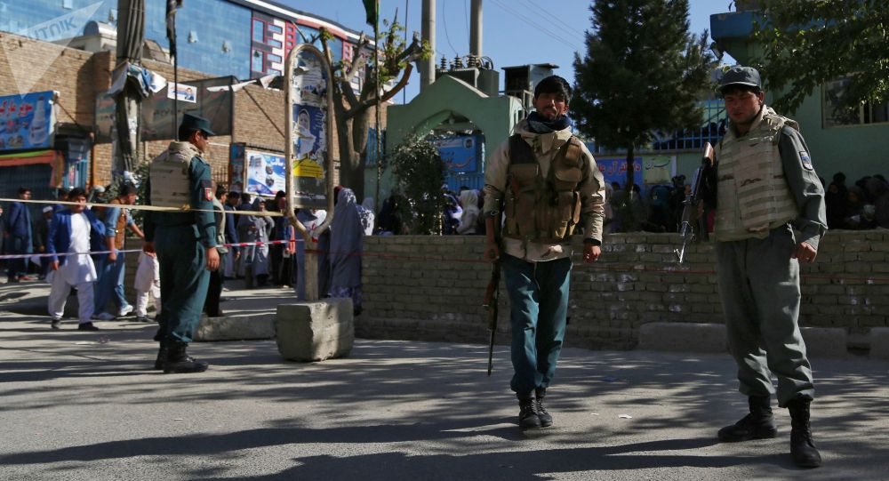 Меры безопасности у избирательного участка в Кабуле. Архивное фото