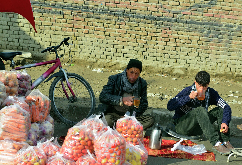 Продавцы на одном из рынков Кабула