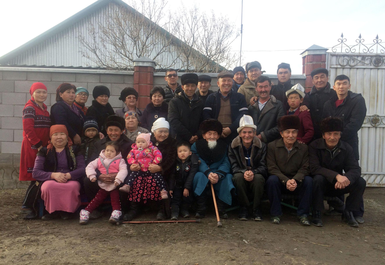 Седьмые потомки Бишкек баатыра, живущие в Чуйской долине