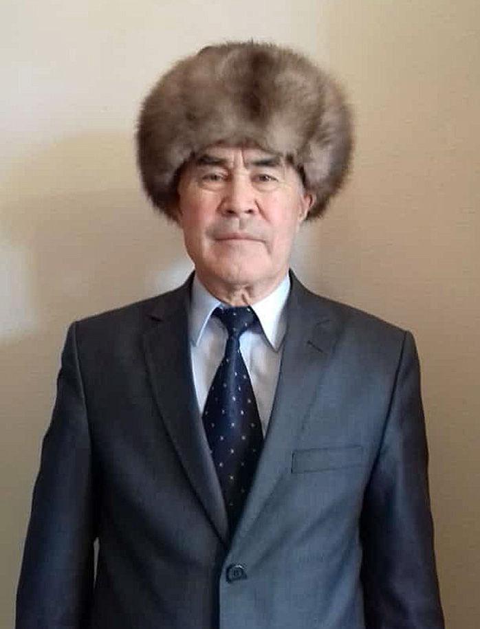 Потомок Алымбек Датки Чыныбек Абдыкапаров
