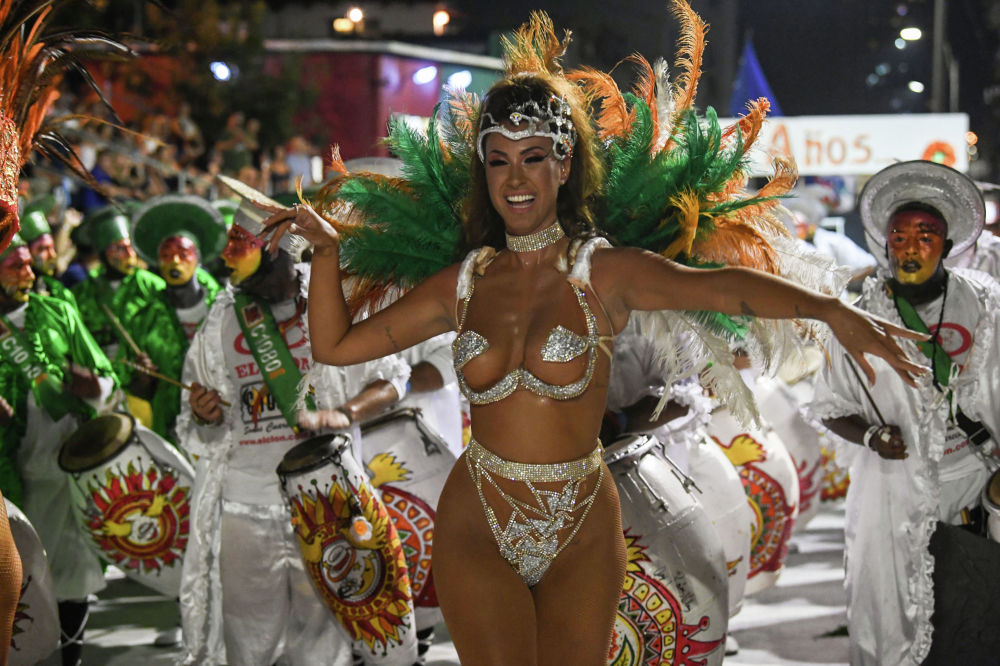 Уругвайдын Llamadas карнавалынын катышуучусу