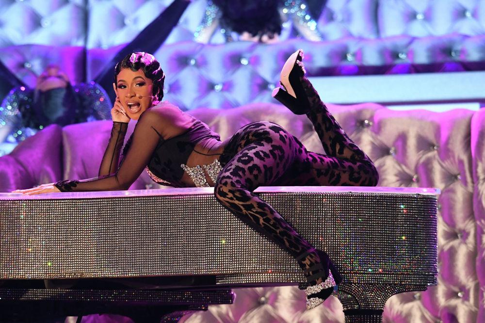 Американская хип-хоп-певица Cardi B выступает на 61-й церемонии вручения музыкальной премии Грэмми в Лос-Анджелесе