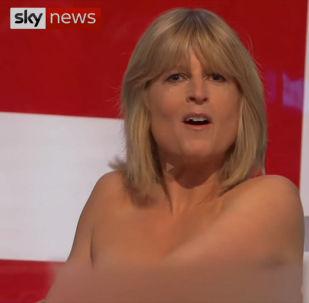 Рейчел Джонсон сняла блузку во время обсуждения вопроса о выходе Великобритании из Евросоюза.