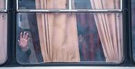 Окно автобуса. Архивное фото