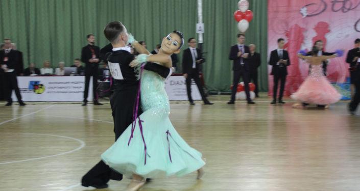 В турнире принимали участие спортсмены из Кыргызстана, Узбекистана, Туркменистана, Казахстана и России — всего 1 400 пар