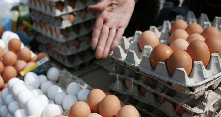 Торговля куриными яйцами. Архивное фото