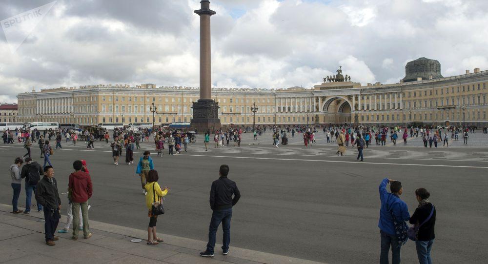 Город Санкт-Петербург. Архивное фото