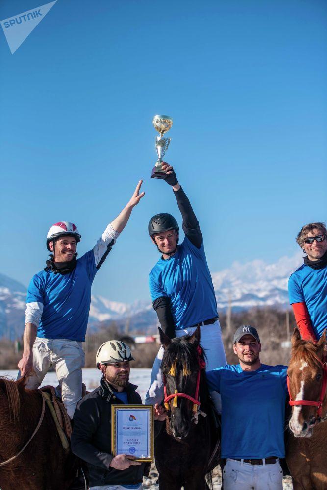 Победителям вручили кубок, а призерам — грамоты и денежные призы