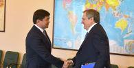 Премьер-министр Мухаммедкалый Абылгазиев встретился с главой правления ПАО Русгидро Николаем Шульгиновым