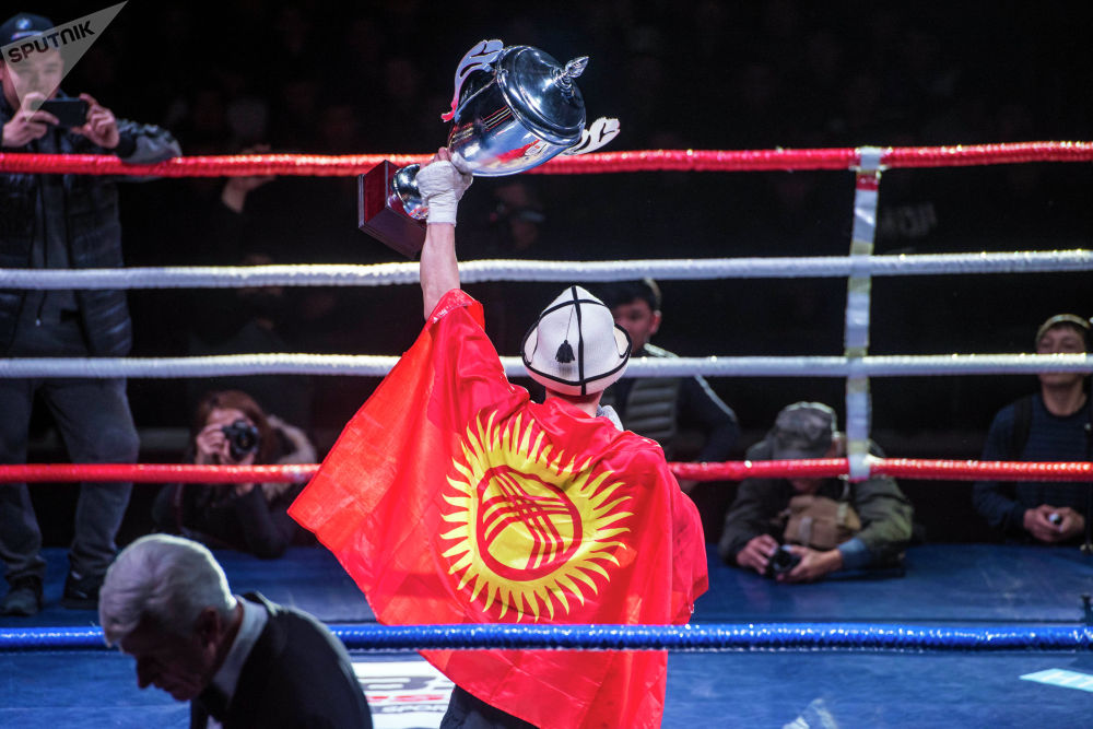 Ибрагимов эки атаандашты утуу менен Grand Prix Top-4 наамын камсыздап, сыйлык катары 100 миң сом алды