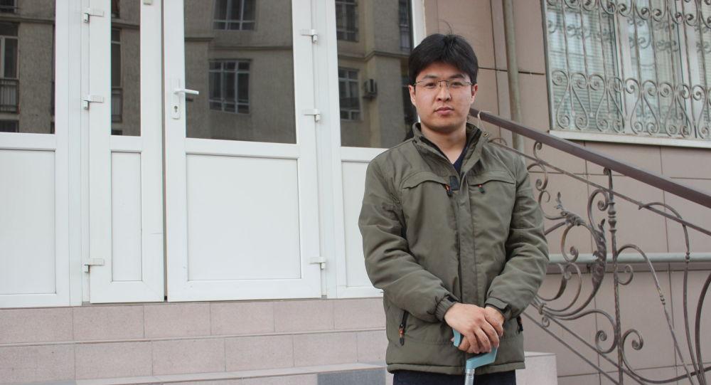 Адам өмүрүнө коркунуч жараткан гемофилия менен жабыркаган Аскат Букарбаев