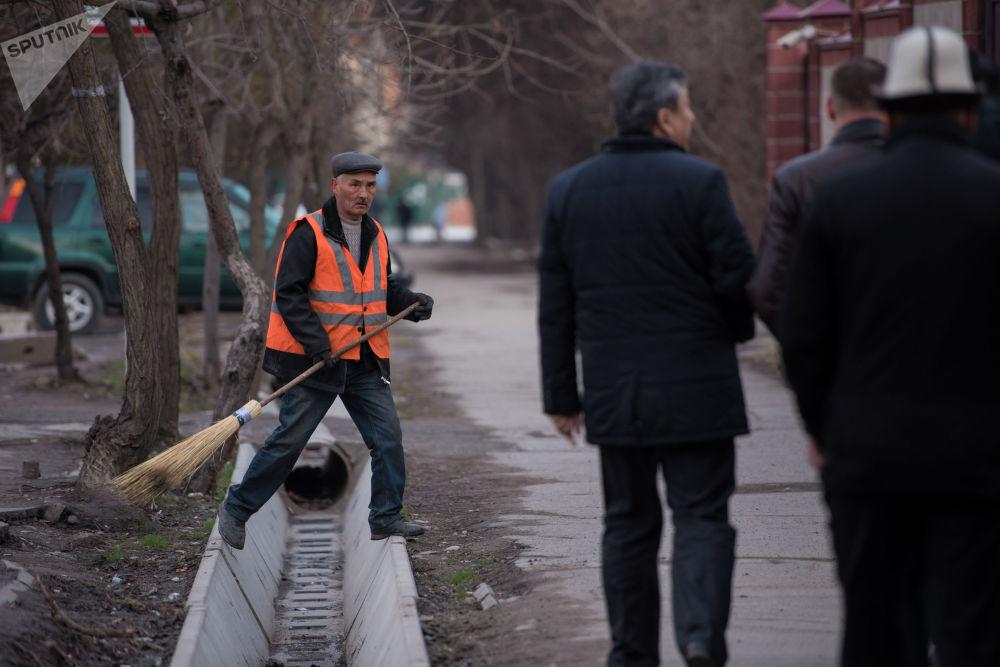 Мэр Бишкека устраивает такие прогулки раз в неделю, обычно по средам, сказали в пресс-службе муниципалитета