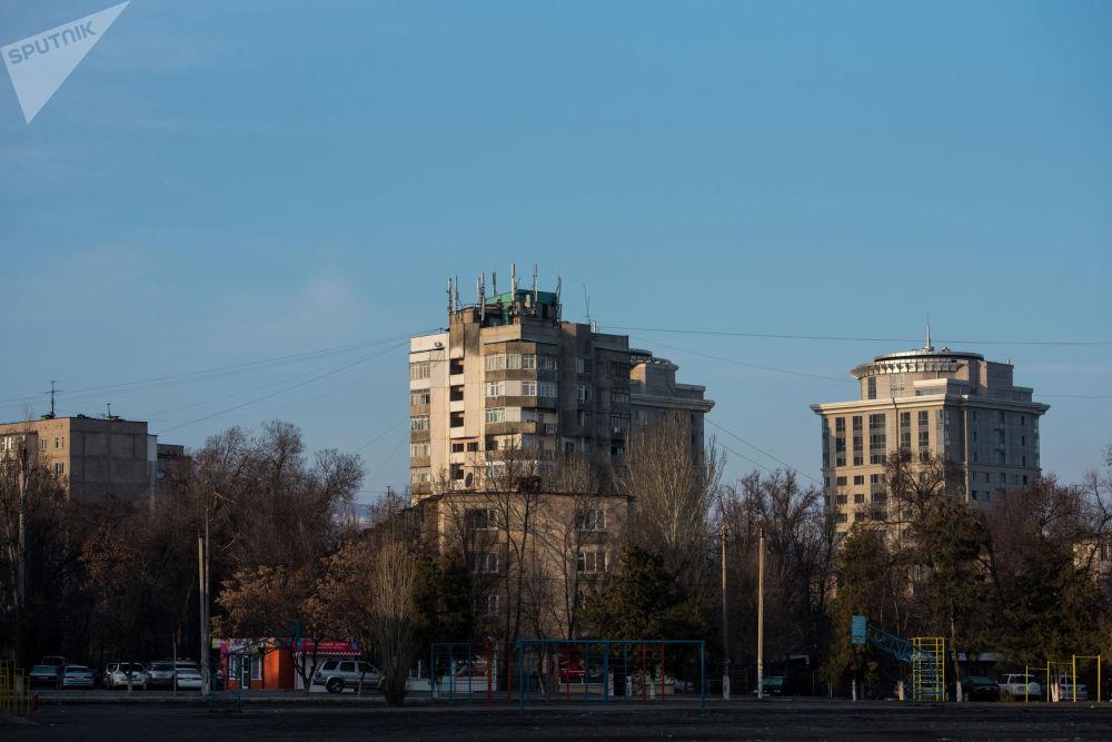 Жилые дома в одном из микрорайонов Бишкека