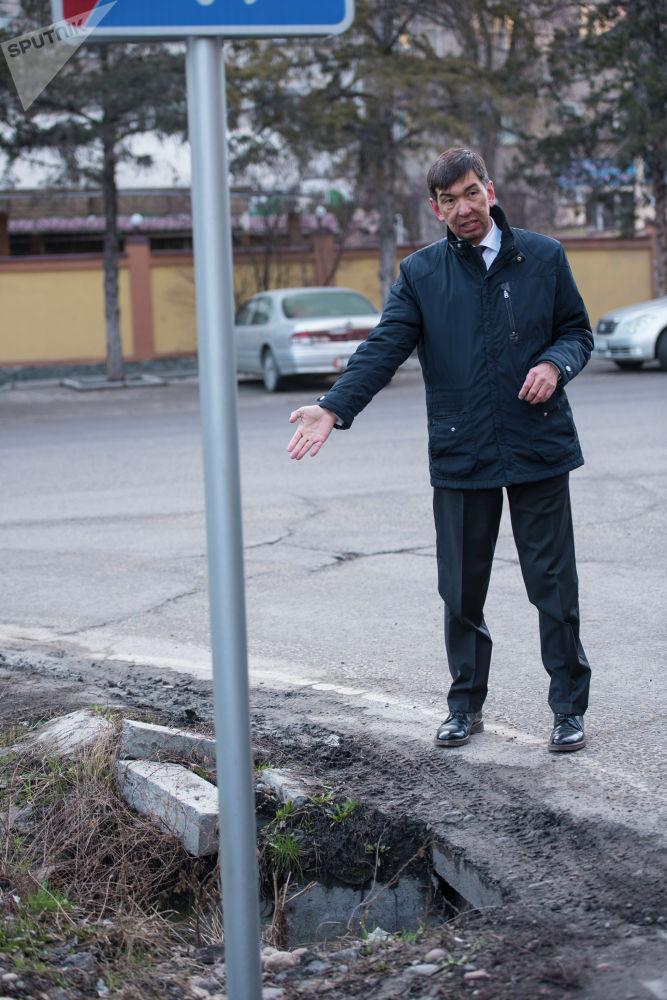 Суракматов обратил внимание подчиненных на упущения и поручил исправить их