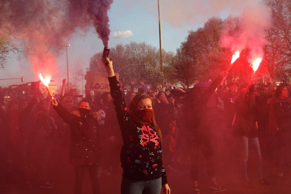 Митинг за права женщин в Мадриде (Испания)