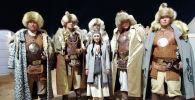 Кыргызстанские баатыры ростом более 2 метров, участники фестиваля Camel Fest в Саудовской Аравии