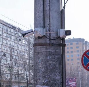 Камеры фото- и видеофиксации нарушений ПДД, установленные в рамках Безопасный город. Архивное фото