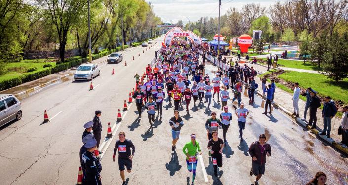 Апрель айында жыл сайын өтүп, салтка айланган Бакай Банк Жаз Деми жарым марафон өтөт