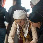 Участницы проекта 40 девушек в этнокомплексе Супара недалеко от Бишкека