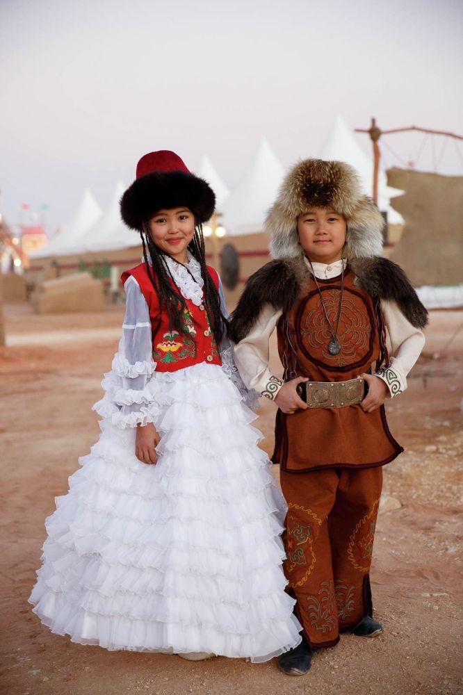 Эти дети — возможно, самые юные участники фестиваля