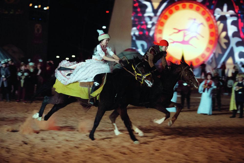 Кыргызская делегация демонстрирует национальные игры