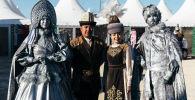 Кыргызстанцы в национальном костюме на этнофестивале Camel Fest в Саудовской Аравии. Архивное фото