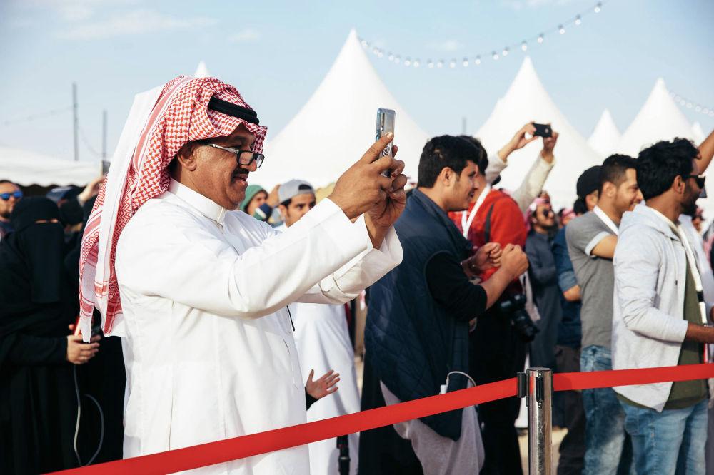 Төө фестивалы 2017-жылы негизделип, Сауд Аравиясынын падышасы Абдул-Азиздин (King Abdulaziz Camel Festival) ысымын алган