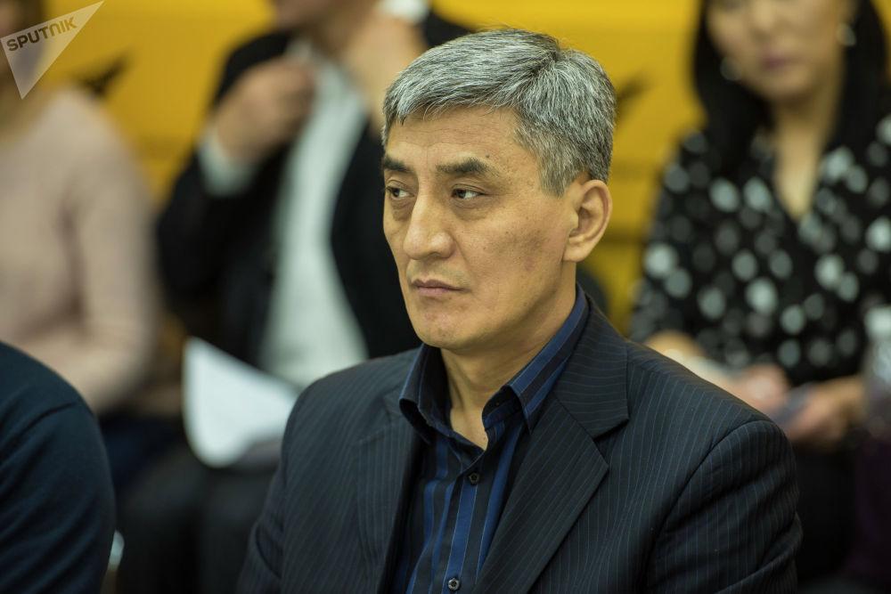 Заведующий отделением гигиены питания Центра госсанэпиднадзора Бишкека Махамад Мурзашов