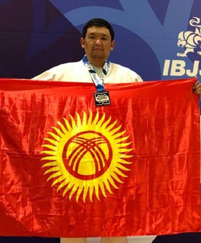 Бишкекский милиционер стал серебряным призером международного турнира по джиу-джитсу в США