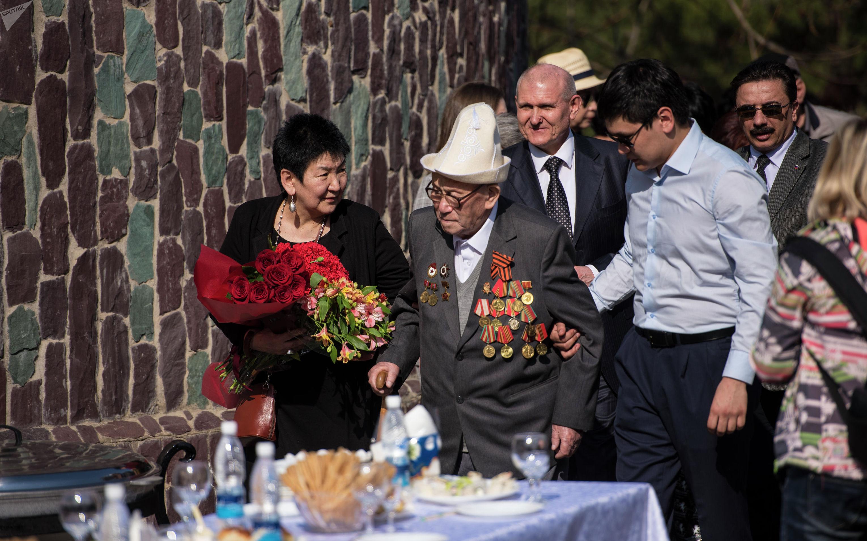 Празднование 100 летия ветерана ВОВ Токоя Садырова в селе Чон-Арык