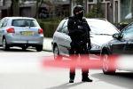 Сотрудник полиции на месте стрельбы в городе Утрехте (Нидерланды). 18 марта 2019 года