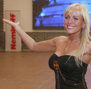 Архивное фото певицы Юлии Началовой