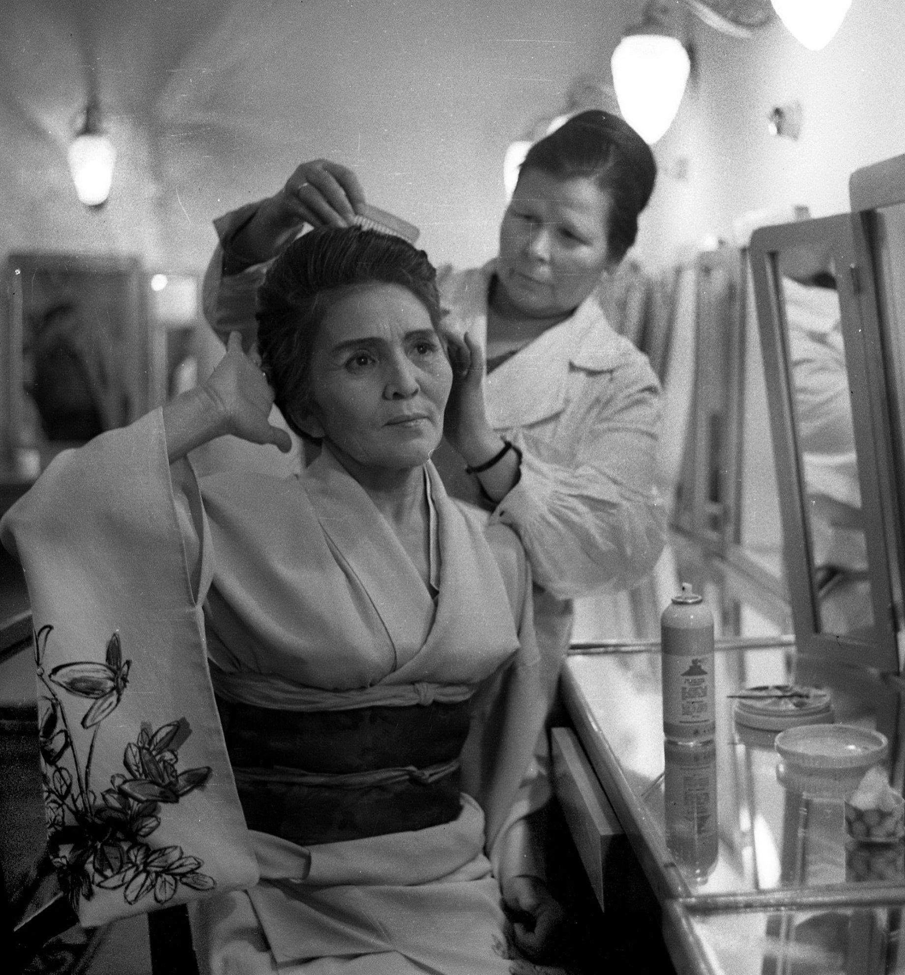 Народная артистка Киргизской ССР,  Герой Кыргызской Республики Сабира Кумушалиева. Архивное фото