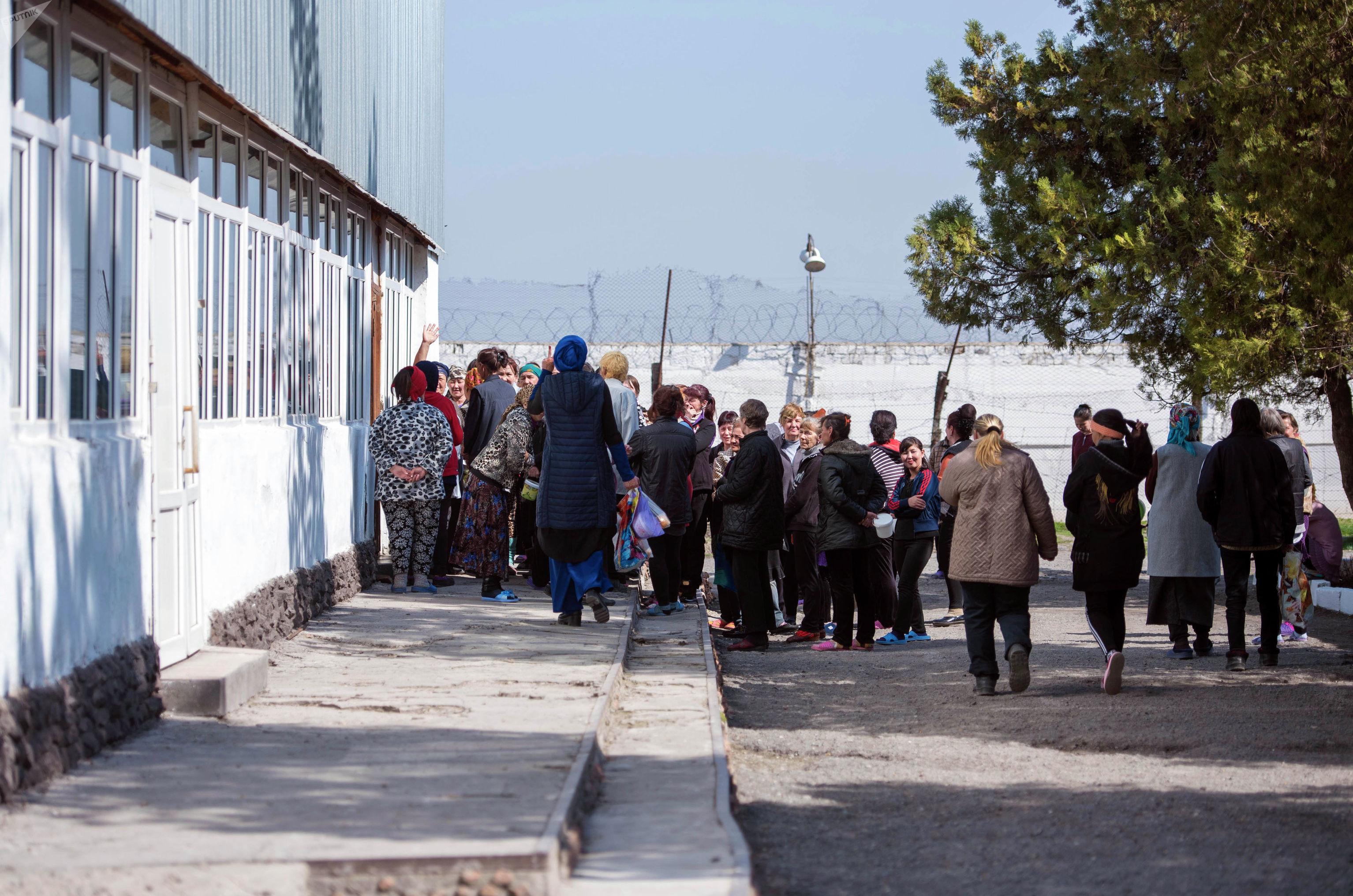 Осужденные в женской исправительной колонии №2 в селе Степное