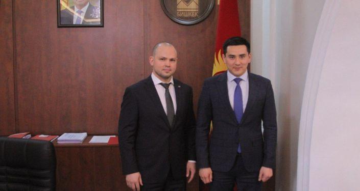 В Кыргызстан прилетел Президент Федерации ММА России Радмир Габдуллин.