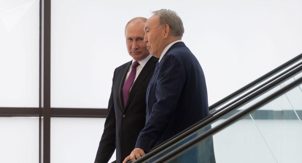 Президент России Владимир Путин и президент Казахстана Нурсултан Назарбаев. Архивное фото