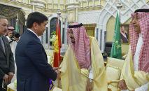 Премьер-министр Кыргызской Республики Мухаммедкалый Абылгазиев в городе Эр-Рияд встретился с Королем Саудовской Аравии Салман ибн Абдул-Азиз Аль Саудом