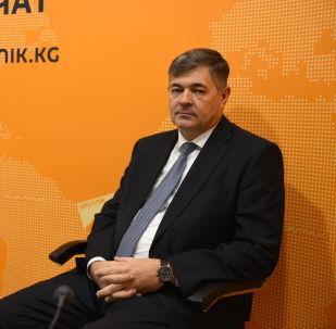 Министр экономики Кыргызской Республики Олег Панкратов в эфире радио Sputnik Кыргызстан