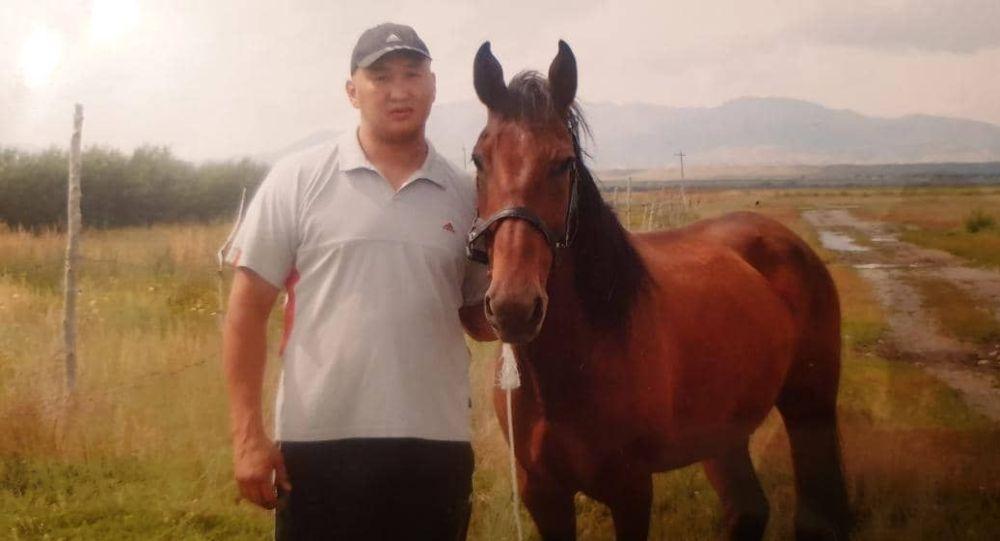 ИИМ 2014-жылы унаасы жарылып каза тапкан спортчу Руслан Абасовдун архивдик сүрөтү