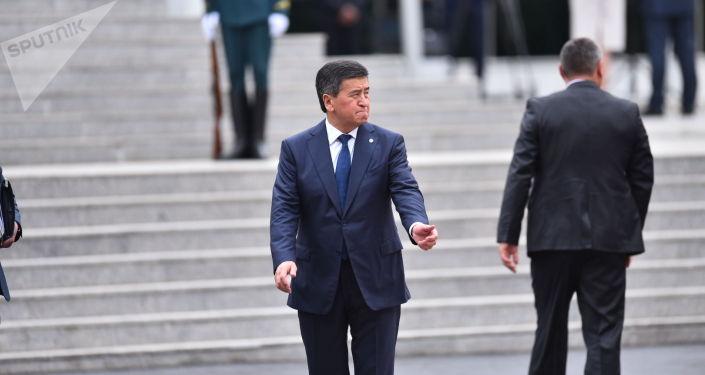 Президент КР Сооронбай Жээнбеков в госрезиденции в ожидании встречи президента РФ Владимира Путина