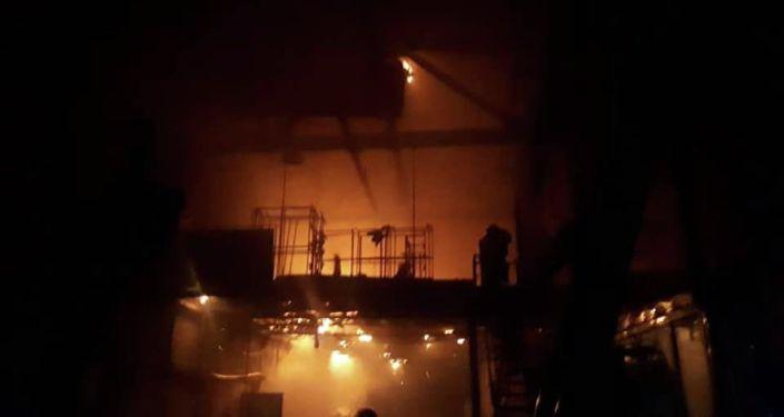 Пожар в мебельном цеху в Бишкеке