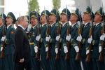 Россия лидери Владимир Путиндин КР Улуттук гвардиясынын Ардак кароолунун жоокерлери менен учурашуусу